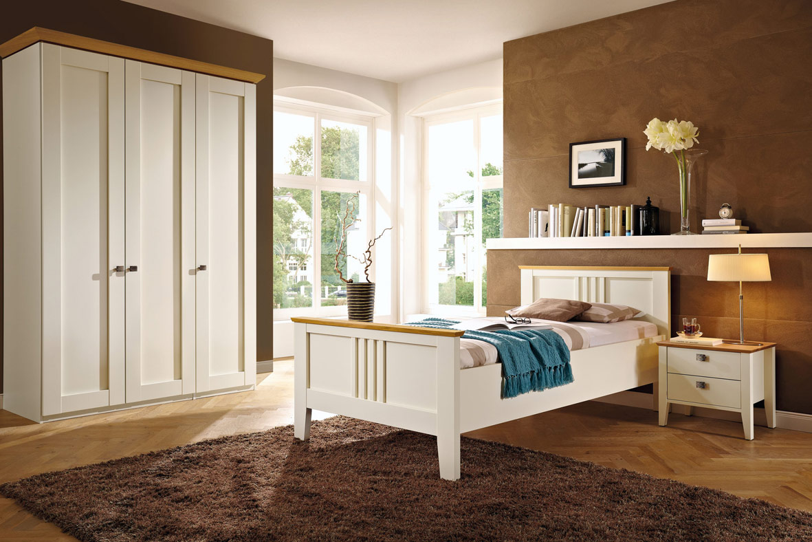 Our made to measure bedroom systems are synonymous with innovative and creative design from minimal fitted wardrobes to luxurious built in bedroom furniture with adjoining dressing rooms.